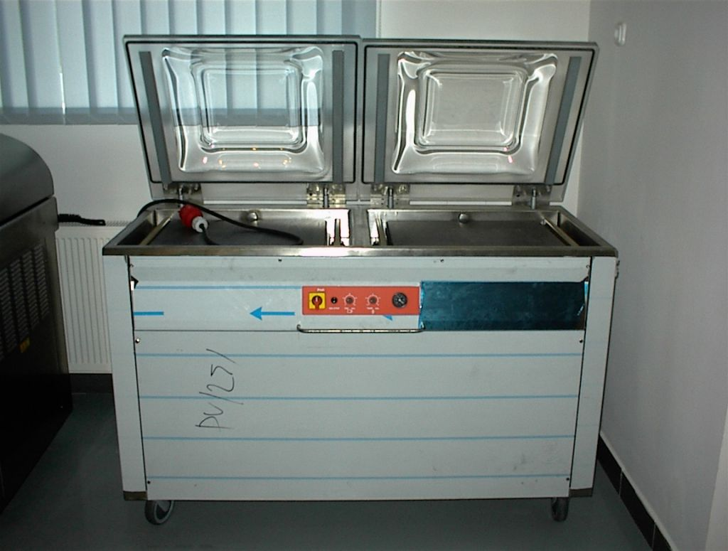 KOMET tray and vacuum packing machines
